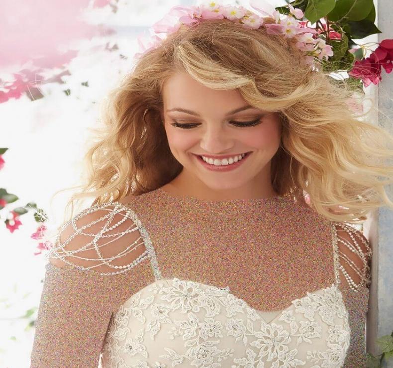نکاتی-مهم-در-انتخاب-لباس-عروس-و-نامزدی
