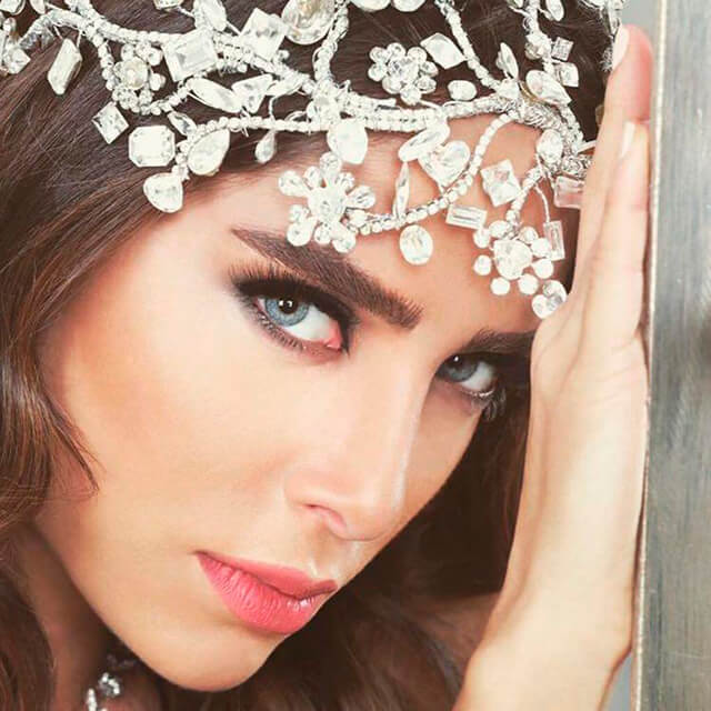 [تصویر:  bridal-crown-wedding-veil.jpg]