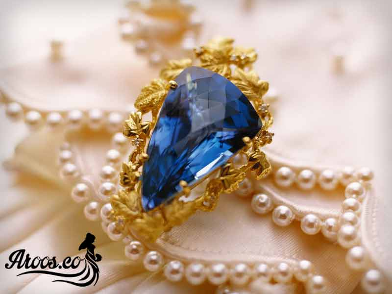[تصویر:  bride-jewelry-100.jpg]