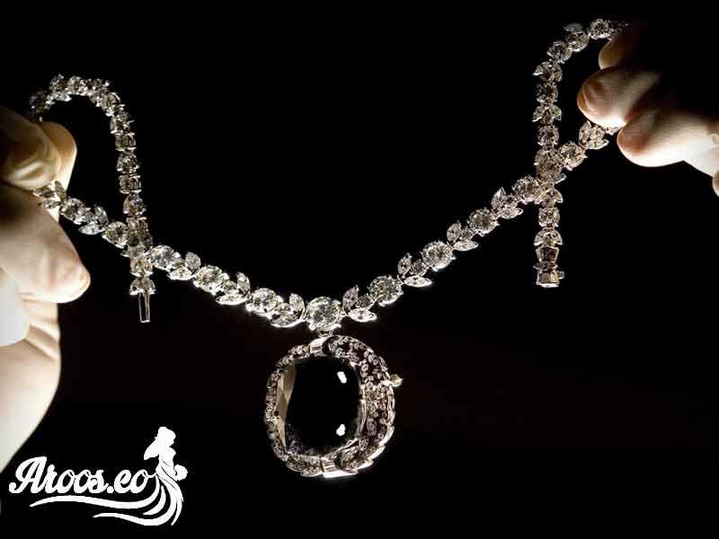 [تصویر:  bride-jewelry-101.jpg]