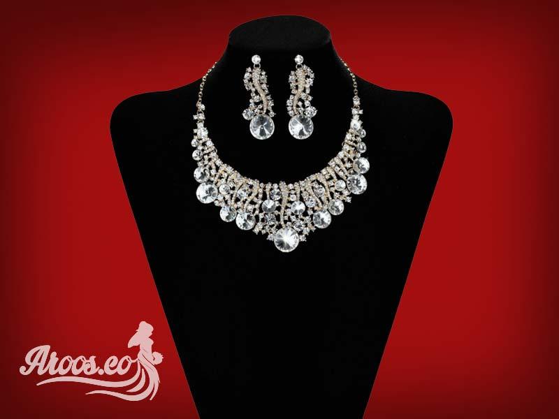 سرویس طلا و جواهرات زیبا