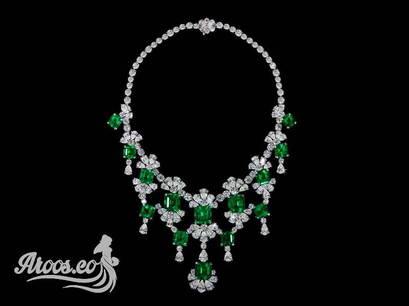 سرویس جواهر طلا سفید با نگین یاقوت سبز و الماس تراش برلیان