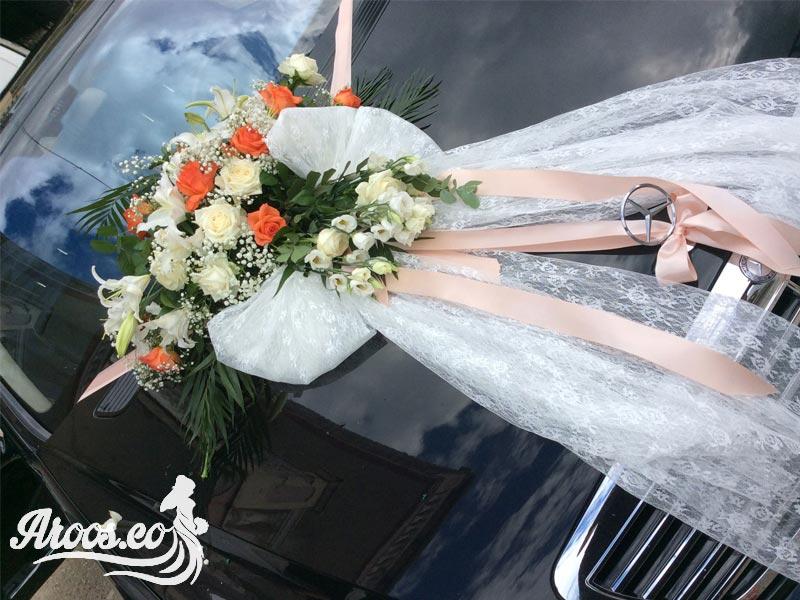 تزیین ماشین عروس با گل میخک