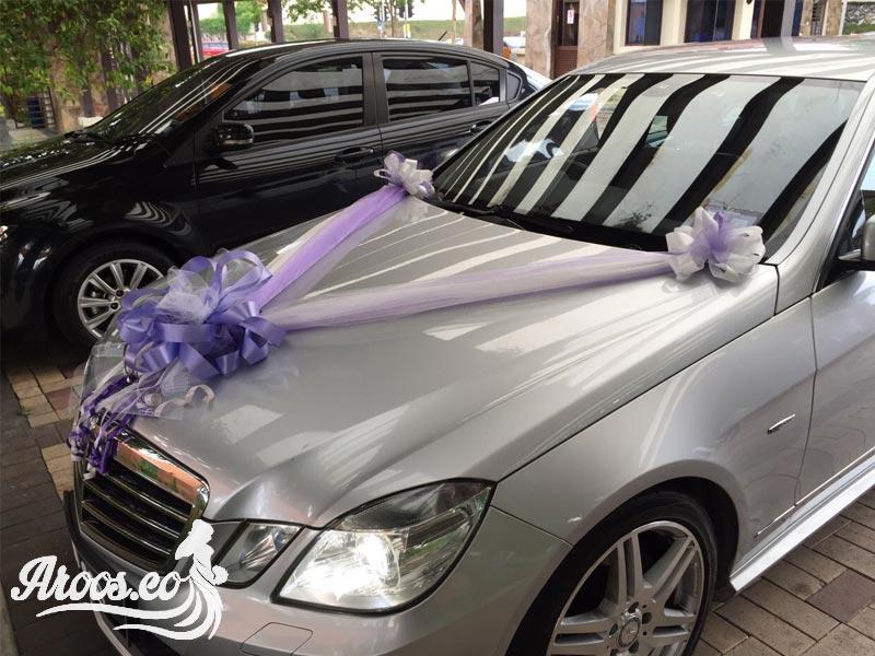 تزیین ماشین عروس با گل مصنوعی پر گل