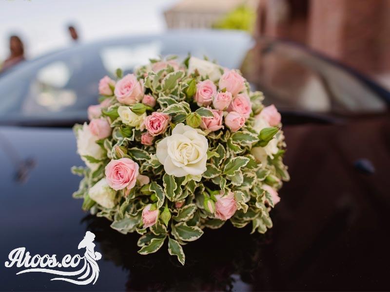 تزیین ماشین عروس با دسته گل
