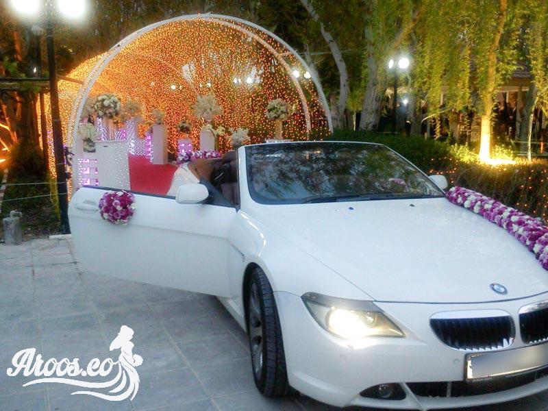 طریقه چسباندن گل به ماشین عروس