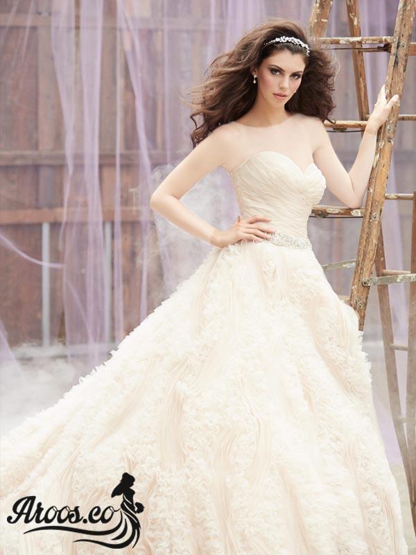 مدل لباس عروس پرنسسی پفی و دنباله دار
