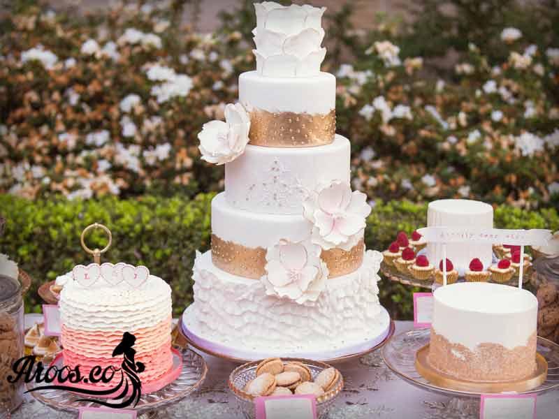 کیک عروسی با گل